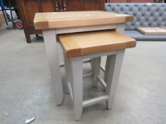 Grey painted oak top nest of 2 tables (165)