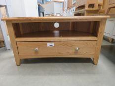 Oak corner TV audio unit with single shelf and large drawer (167)
