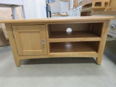 Small oak TV audio unit with 2 shelves and single door cupboard (157)