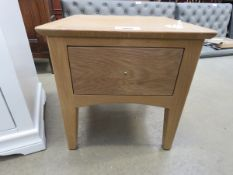 Oak lamp table with single drawer (41)