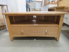 Oak corner TV audio unit with single shelf and large drawer (7)