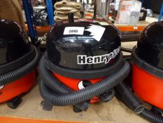 (TN80) Henry micro vacuum cleaner with pole