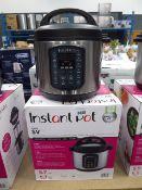 (TN4) Instant Pot multi use pressure cooker with box