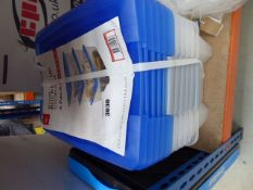 6 pack 15 litre storage boxes (bottom box cracked)
