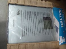 Boxed Saltar Max analyser scales