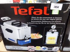 (TN9) Tefal filter fryer with box