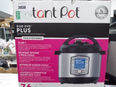 (TN19) Boxed Instant Pot Duo Evo Plus pressure cooker Light use, comes with all parts