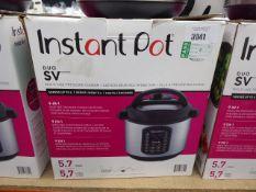 (TN78) Instant Pot multi use pressure cooker with box