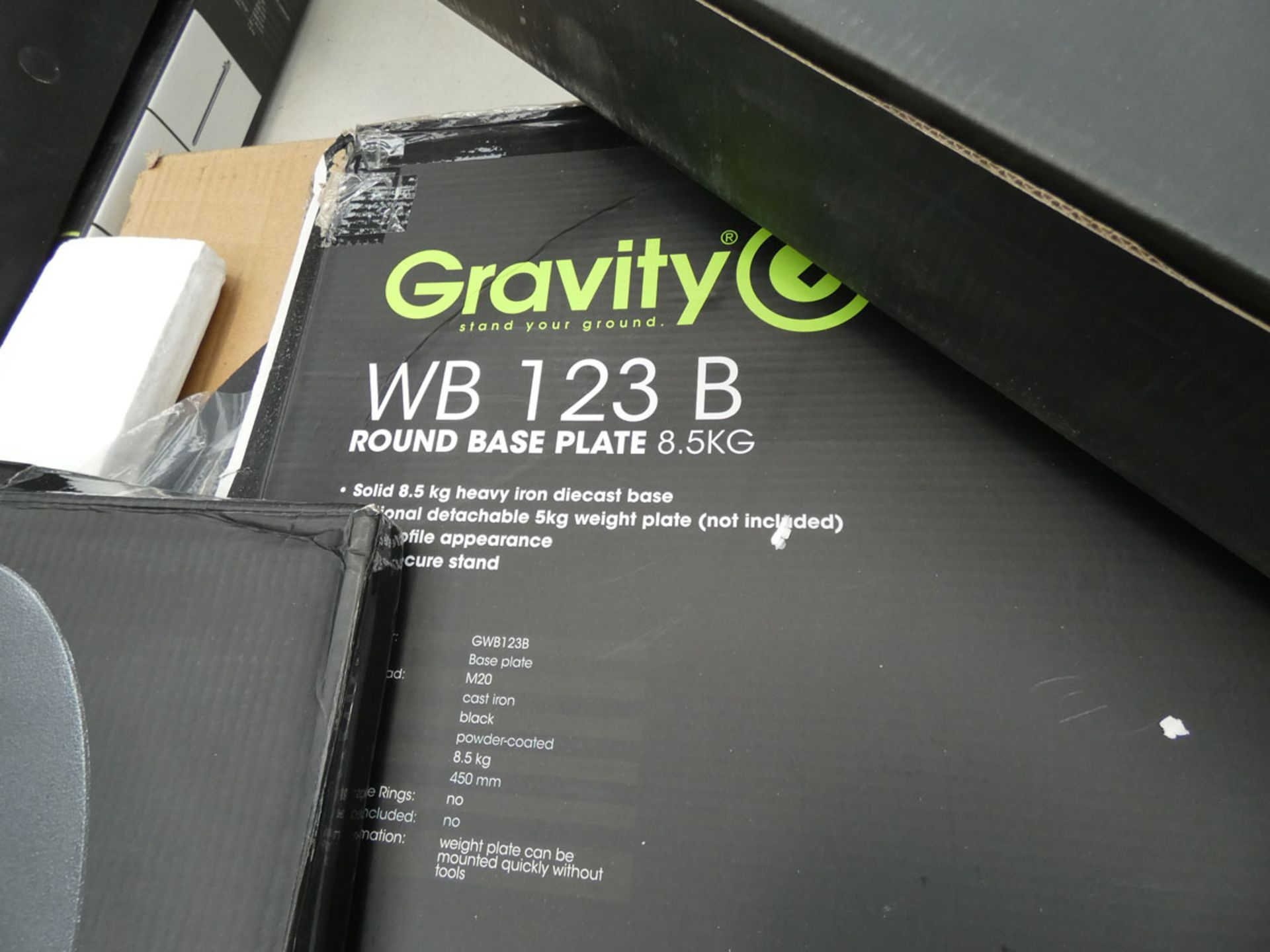 6 gravity speaker poles and 2 bases - Image 3 of 4
