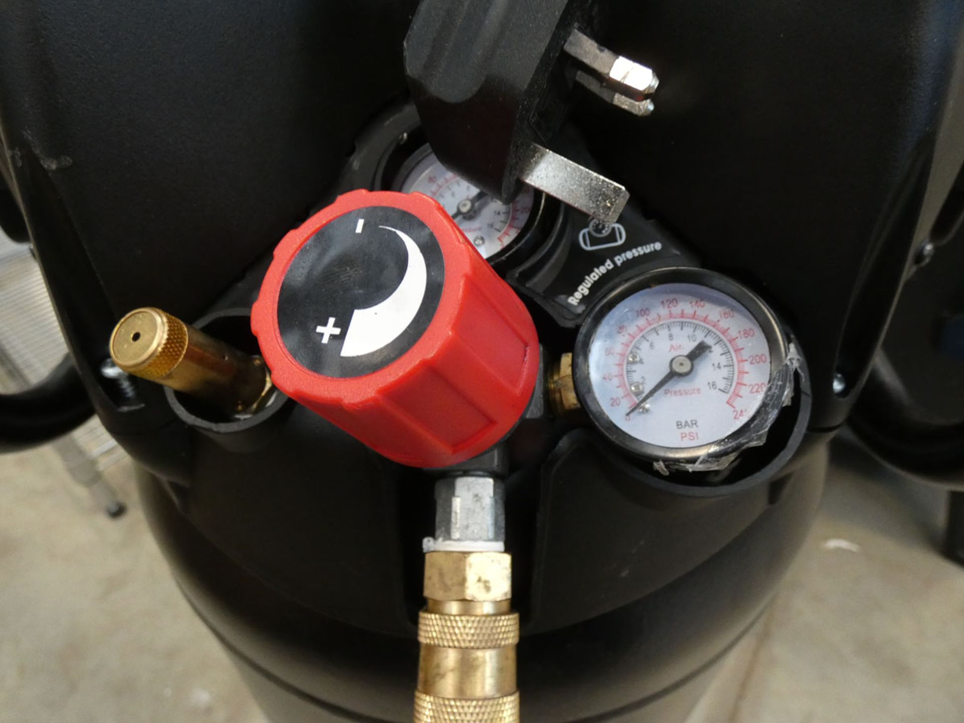 SIP 2.0hp upright compressor - Image 3 of 4