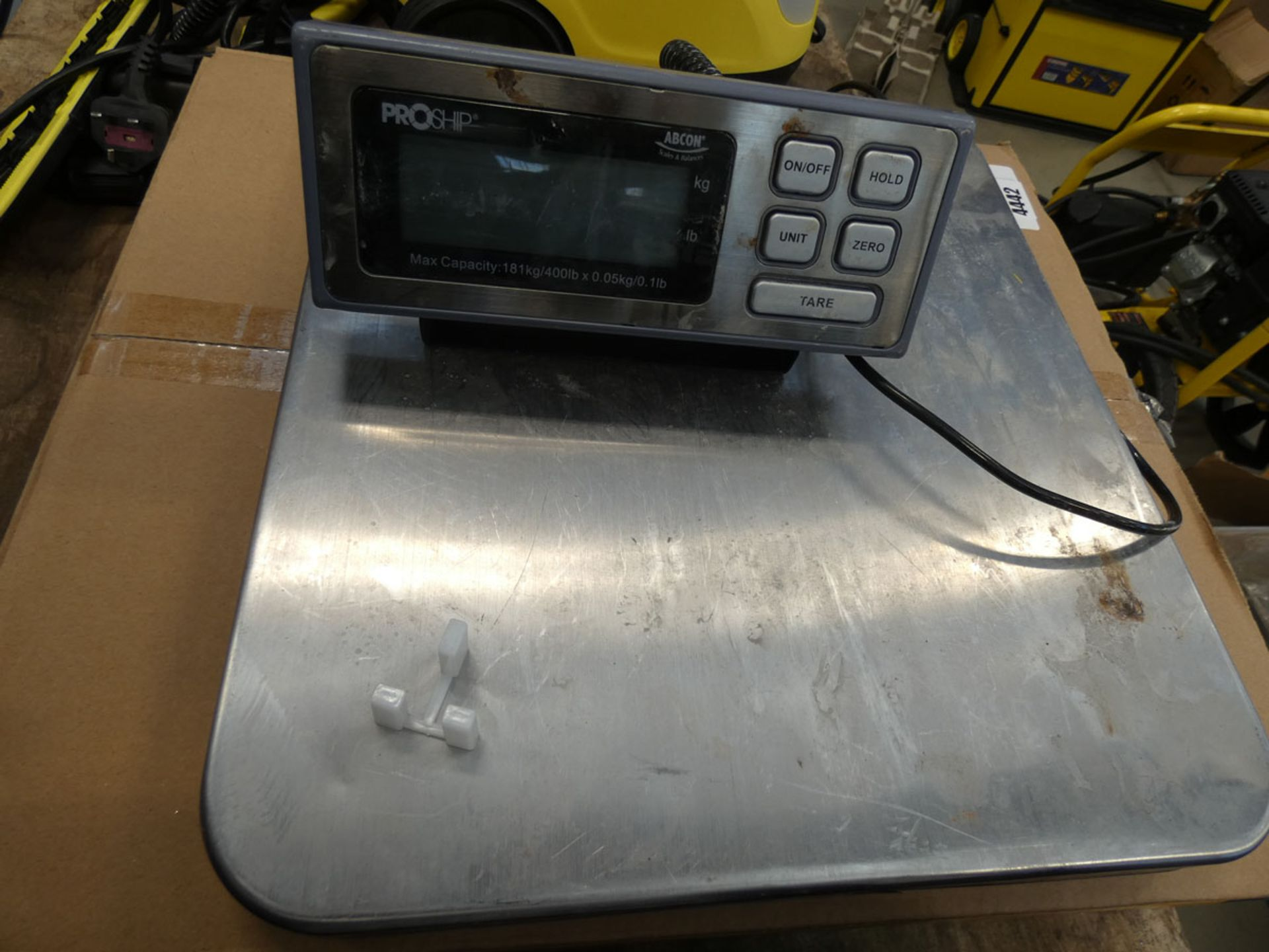 1 boxed and 1 unboxed ProShip weighing scales