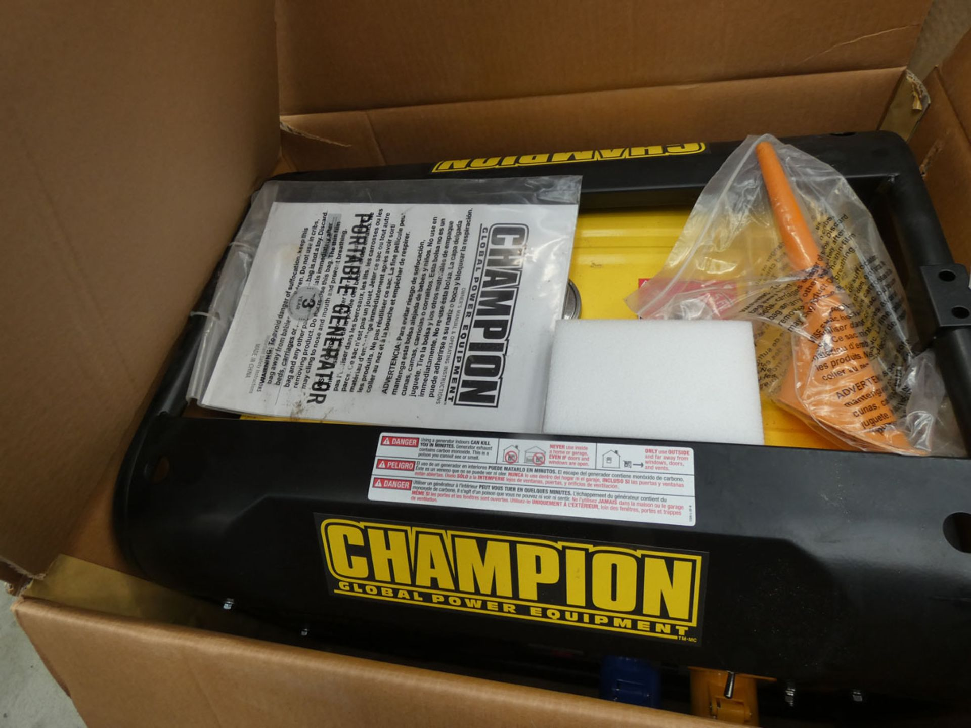 Boxed Champion petrol powered generator - Image 2 of 2