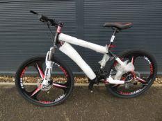 27 speed 26'' wheel mountain bike in black