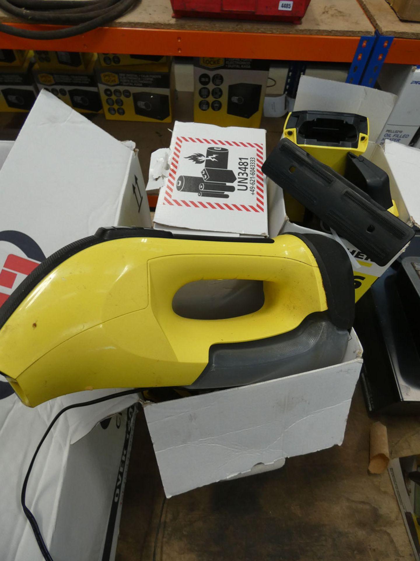 4754 - 3 Karcher window vacuums - Image 2 of 2