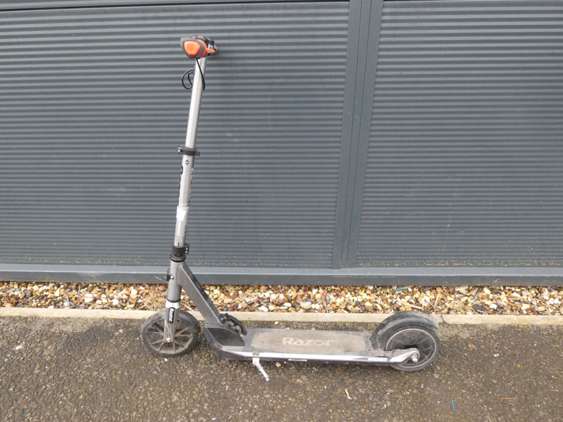 Razor electric scooter (no charger)