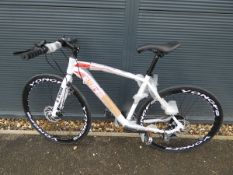 Extreme adult 21 speed Shimano gear road bike in red and white