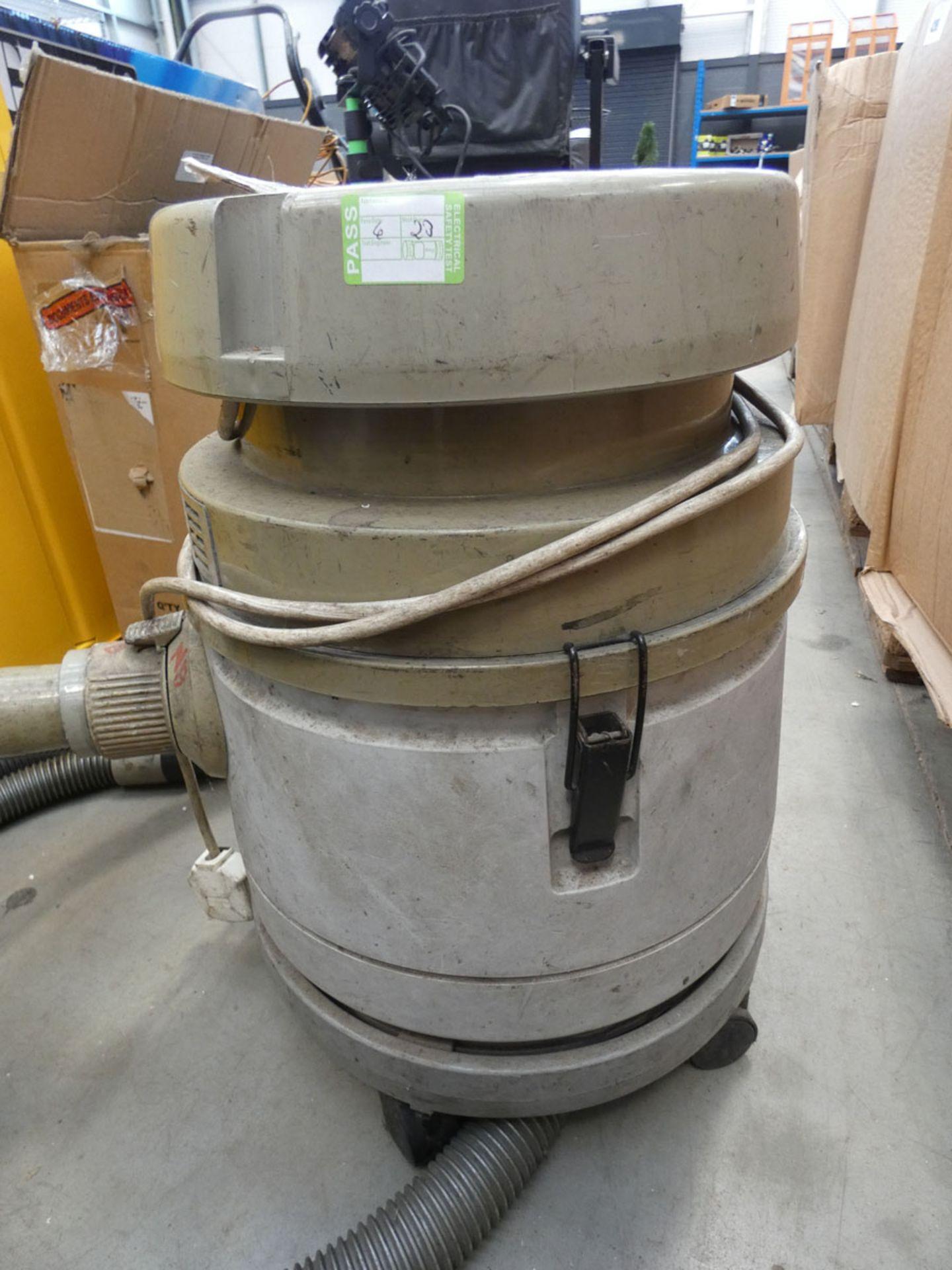 4464 Small vacuum cleaner