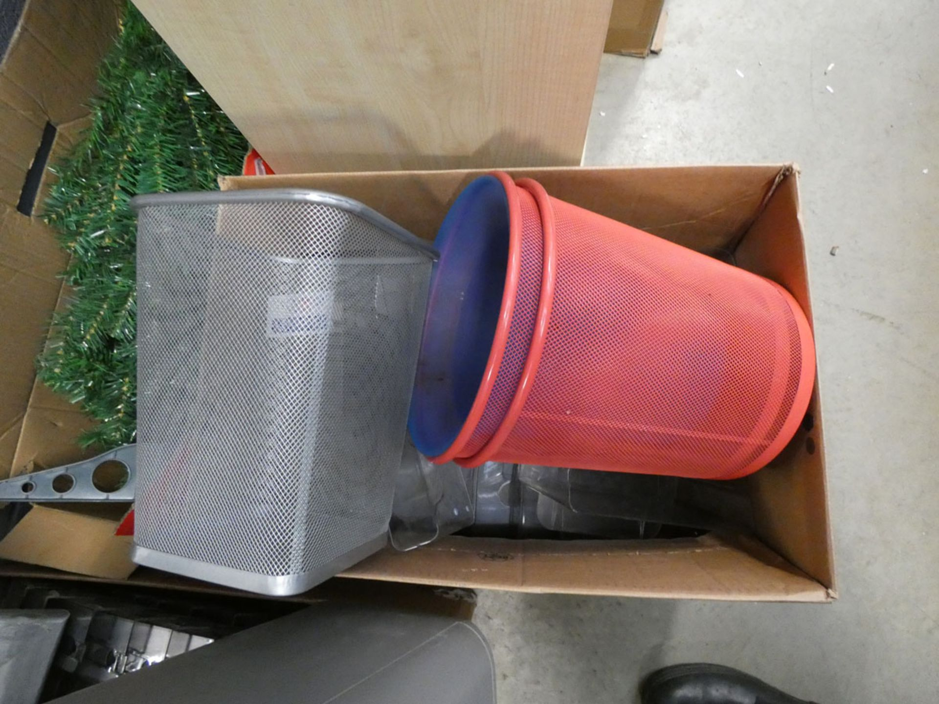 Assorted items to include paper shredder, file tray, Christmas tree, waste bins, and mirror - Image 2 of 5