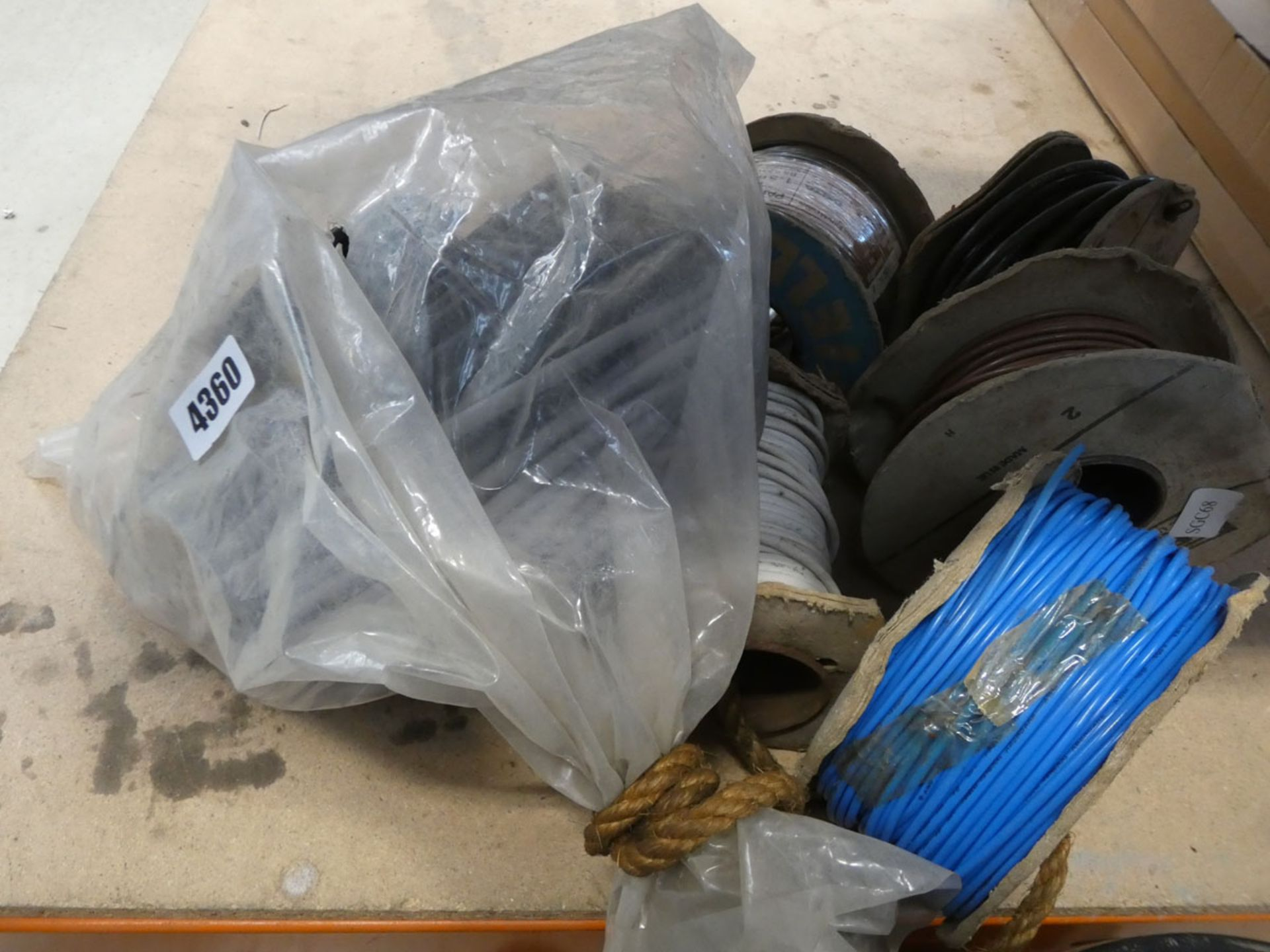 Small quantity of cable