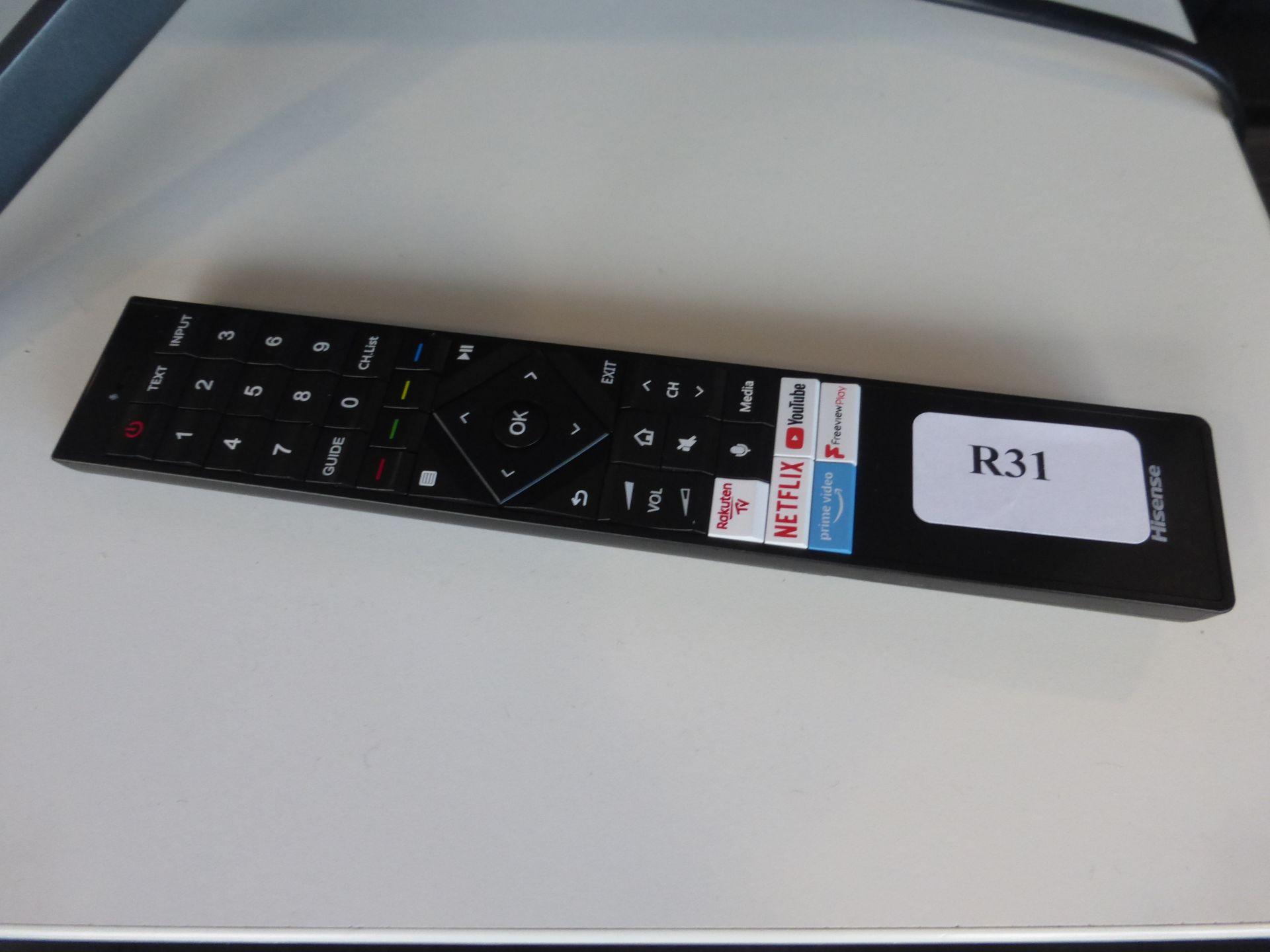 Hisense 55'' 4K TV Model: 55U7QFTUK, includes reomte (R31) and box (B53) Screen has no visible - Image 2 of 2