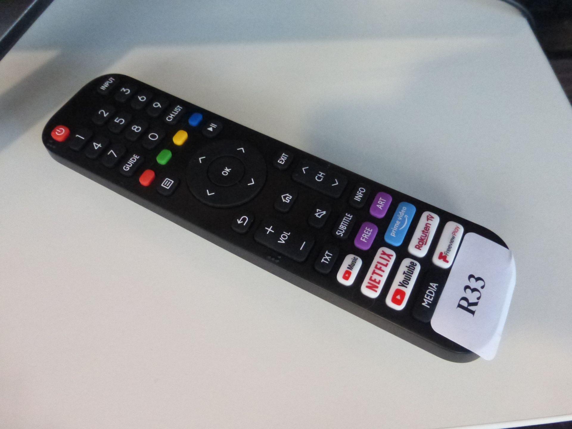 Hisense 55'' 4K TV Model: 55AE7400FTUK, includes remote (R33) and box (B54) Screen has no visible - Image 2 of 2