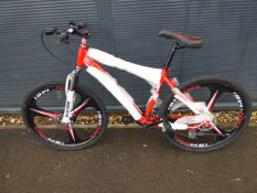 26'' 27 speed mountain bike with 3 pin mag wheels in red