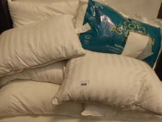 Large quantity of bedding pillows