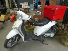 Piaggio Liberty 2015 scooter with back box