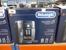 3029 Delonghi Magnifica S smart coffee machine with box