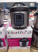 (TN28) - Instant Pot multi use pressure cooker with box