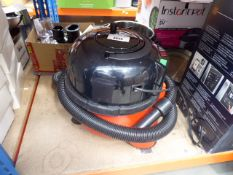 Henry micro vacuum cleaner with pipe