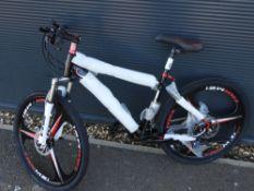 4029 - Black Extreme mountain bike
