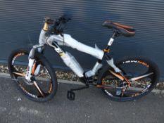 4028 - Black Extreme mountain bike