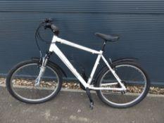 Claude Butler white gents bike