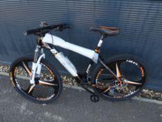 4026 - Black Extreme mountain bike