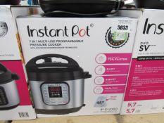 (TN55) Instant Pot multi use pressure cooker, with box