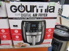 61 Gourmet 5.7L digital air fryer with box