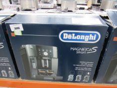 75 Delonghi Magnifica S Smart coffee machine with box
