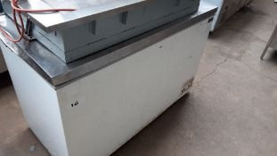 FAIL - 130cm Polar CE210-B chest freezer with stainless steel lid