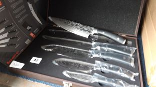 Boxed set of 5 Damascas knives