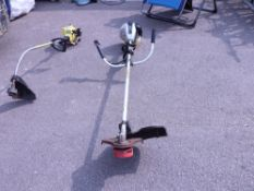 Spear & Jackson petrol engine straight arm strimmer