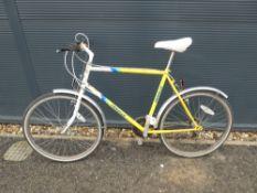 Yellow Emmelle bike