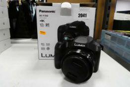Panasonic DC-FZ82 4K bridge camera with box