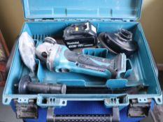 Makita DGA452 battery operated 4.5'' angle grinder (Battery included, no charger)