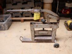 Manual operated block splitter