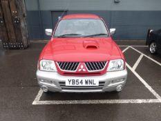 YB54 WNL (2005) Mitsubishi L200 2.5td 4-Life 4WD, 2477cc diesel in red/silver MOT: 14/5/21