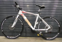 White and red extreme town bike