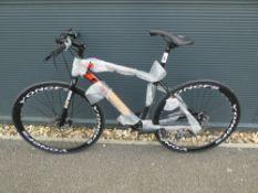4040 Extreme mountain bike in black