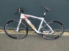 4048 Extreme mountain bike in white
