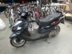 Direct Bikes scooter in black